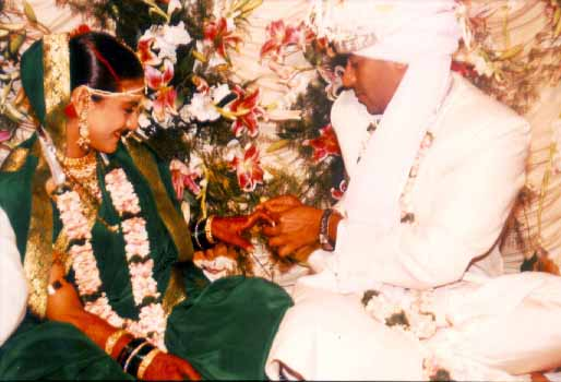 And kajol tie the knot on ajay
